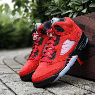 Air Jordan Retro 5 ''Toro Bravo''