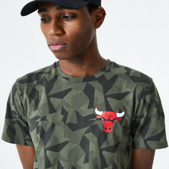 Kratka majica New Era Chicago Bulls Geometric Camo ''Green''